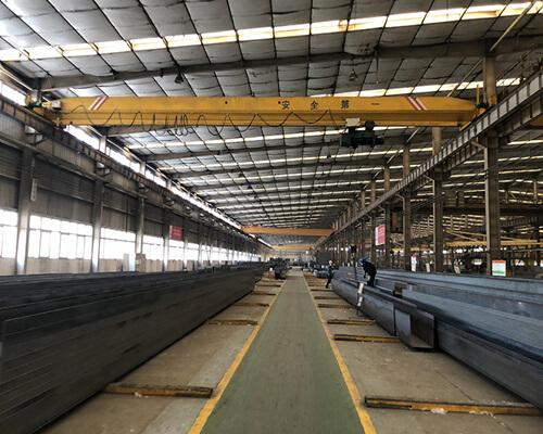 warehouse overhead crane