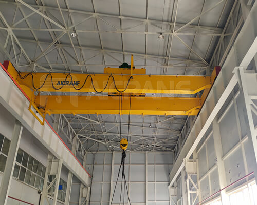 top running crane